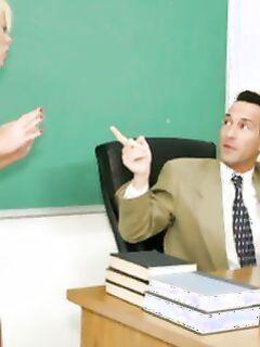 Секс на экзамене с несговорчивым учителем