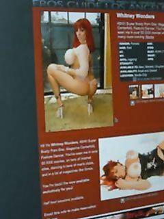 Семейная пара заказала рыжую порно актрису с большими сиськами для групповичка