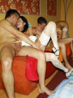 Русская порно вечеринка со студентками мед училища