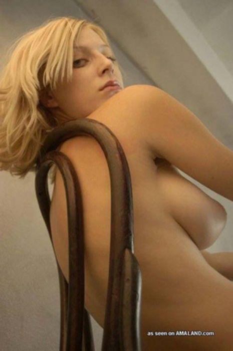 Частное фото сисек молоденькой блондинки