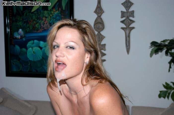 Оргазм зрелой сучки с огромными сиськами