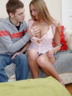 Русская студентка дала в анал соседскому мальчику