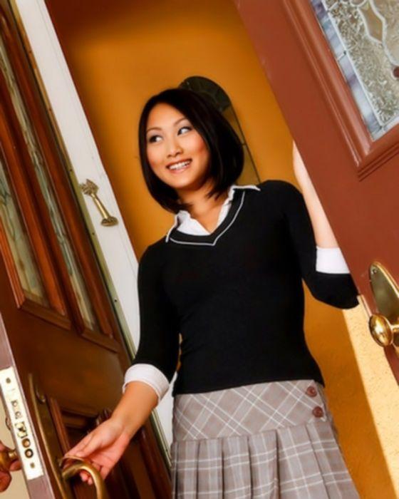 Камшот в ротик азиатской студентки