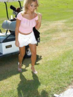 Муж с женой подцепили пышногрудую любительницу гольфа
